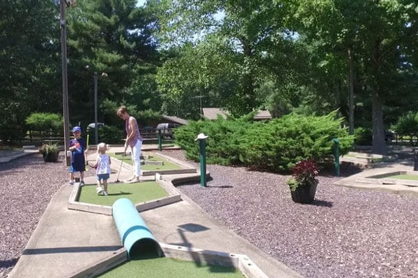 Wilderness Presidential Mini Golf with Young Family